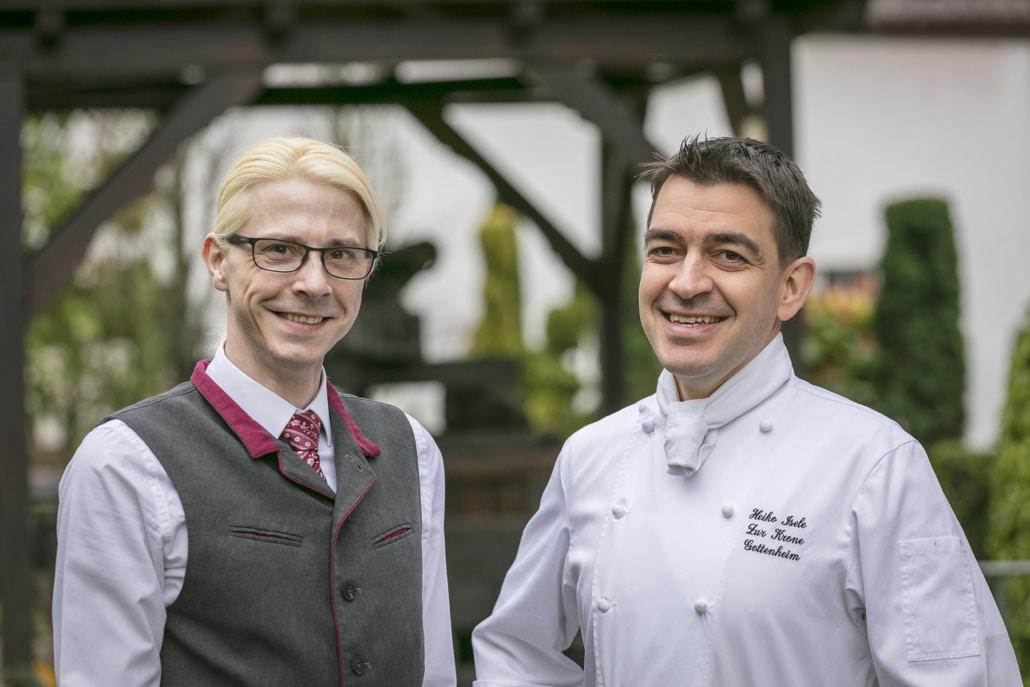 Ein Koch und ein Kellner sorgen für ein unterhaltsames und genussreiches Restauranterlebnis …
